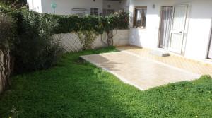 esterno con giardino