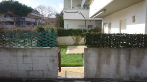 ingresso esterno giardino