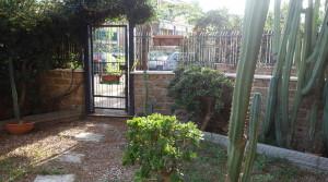 ingresso giardino fronte