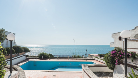 Santa Marinella – Villino fronte mare